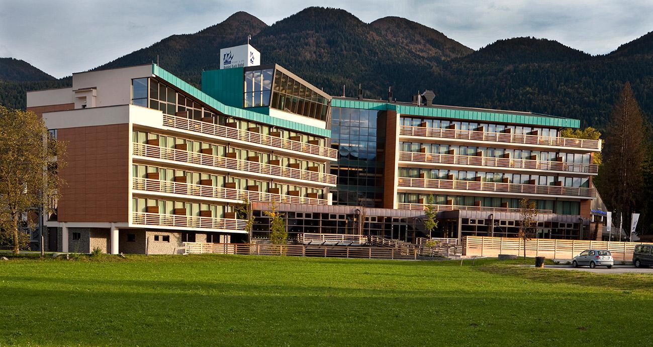 Zelena-zgradba-Bohinj-Park-ECO-Hotel-spring