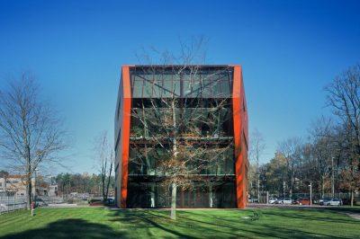 Energetsko-učinkovita-zelena-zgradba-Menerga-poslovna-zgradba-Tajnostna-gradnja