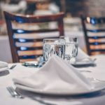 depth-of-field-photo-of-clear-drinking-glass-on-white-table-903376