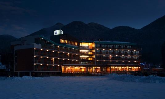 Trajnostna-gradnja-Bohinj Park ECO Hotel winter exterior