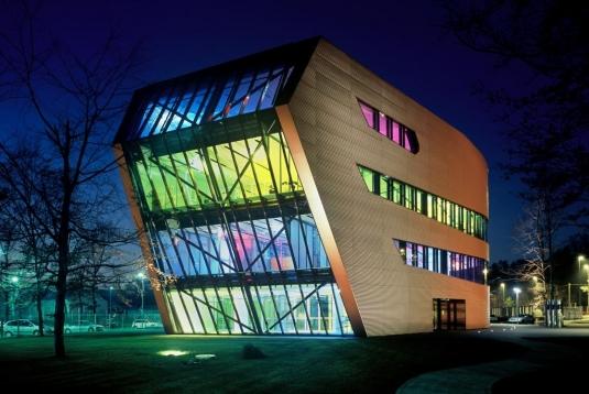 Energetsko-ucinkovita zelena-zgradba-poslovna-zgradba